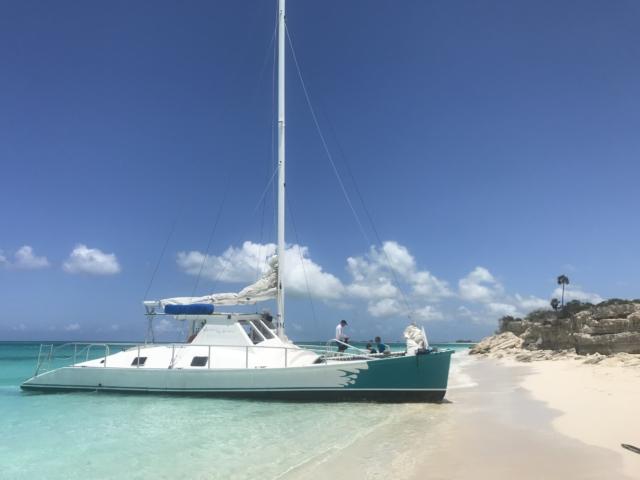 Sail boat snorkel tour